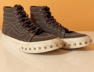 High top gray studded vans men's Sz 7.5 women's Sz 9 great Condition for Sale in Puyallup, WA