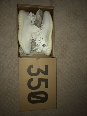 Creme Yeezy 350 brand new size 10.5 for Sale in Gaithersburg, MD