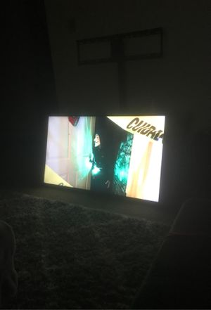 50 inch element smart TV! Great condition! for Sale in Tacoma, WA