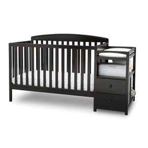 4 in 1 convertible crib for Sale in New Hradec, ND