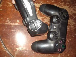 2 ps4 controllers for Sale in Linden, PA