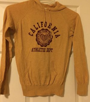 Women's sweater size small for Sale in Whittier, CA