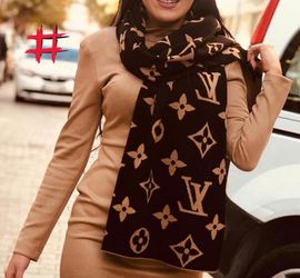 Louis Vuitton Scarf for Sale in Raleigh,  NC