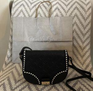 Louis Vuitton Cross Body Bag for Sale in Hialeah, FL