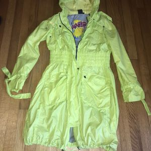 Maze Slicker Water Resistant Jacket Size M for Sale in French Creek, WV