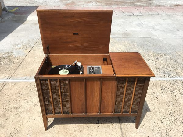 Vintage mid century stereo cabinet Zenith model Y910 for Sale in Queens, NY  - OfferUp