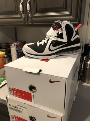 """Lebron 9 """"Free Gum"""" size 11 for Sale in Silver Spring, MD"""