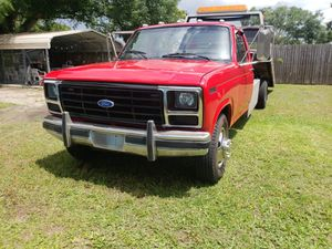 Tow truck Ford F-350 for Sale in Tampa, FL