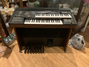 Vintage piano works perfectly for Sale in Harrisonburg, VA