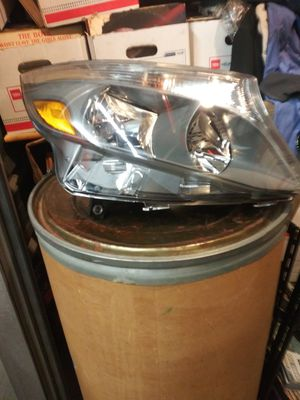 Several parts for 2018, Mercedes Metris brand new heading right side also a mirrior incasing for the right and other parts for Sale in The Bronx, NY