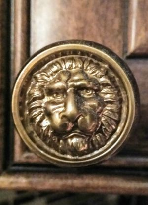 Solid Brass Vintage Dresser Knobs Belwith Lion Face, Home Decor, Accent. for Sale in Delray Beach, FL