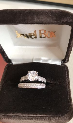 Sterling Silver White Sapphire Simulated Diamonds Engagement/Wedding Ring Sz5 for Sale in Elmwood Park, IL
