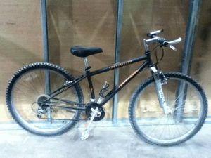 Bike non profit: specialized hardrock for Sale in Oakland, CA