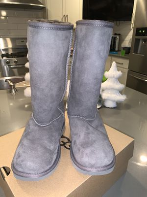 Ugg Boots big girl size 2 for Sale in Sammamish, WA