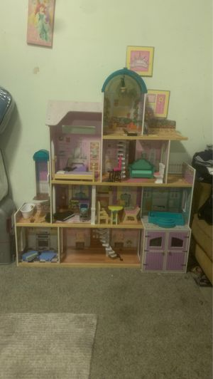 Girl Doll Toy House for Sale in Richmond, CA