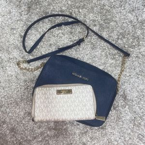 Michael Kors Wallet and Purse for Sale in Phoenix, AZ