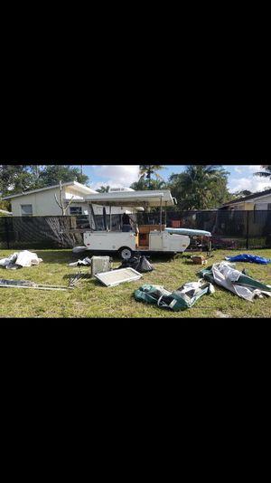 2001 coachmen pop up camper for Sale in Hialeah, FL