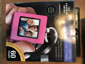 The Sharper Image Digital Photo Keychain for Sale in Oak Hill, VA