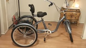 Two Schwinn Bicycles. for Sale in Del Valle, TX