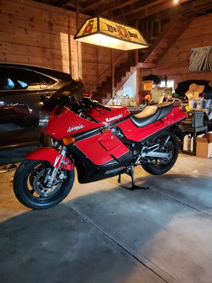 1986 Kawasaki Ninja zx1000 for Sale in Dartmouth, MA
