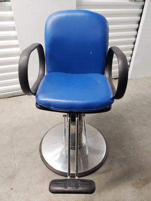 Salon /barber chair for Sale in Providence, RI
