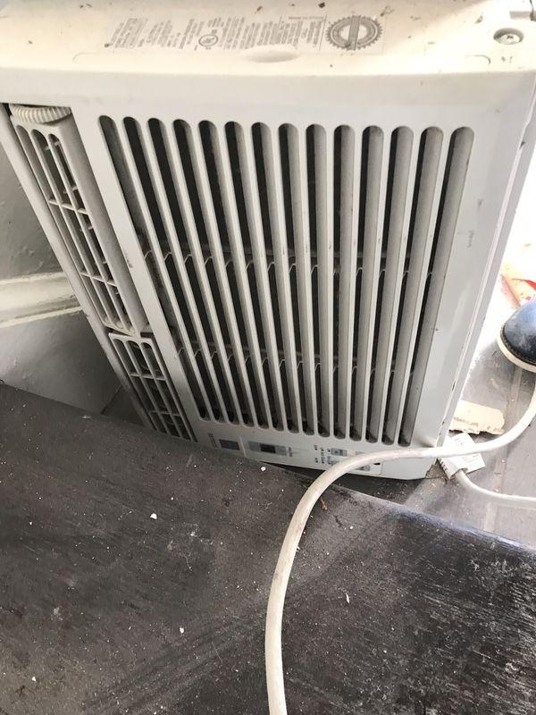 AC Window unit with remote