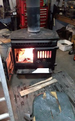Wood burner nice shape very heavy duty. Will help load up. for Sale in Cleveland, OH