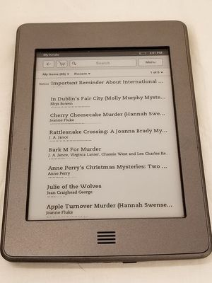Amazon Kindle Touch 4th Generation Wi-Fi eReader Model D01200 for Sale in Chattanooga, TN