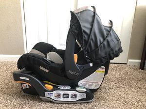 Infant Car Seat, Top Rated Chicco Keyfit 30 for Sale in Englewood, CO