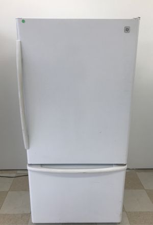 GENERAL ELECTRIC REFRIGERATOR for Sale in Salisbury, MD