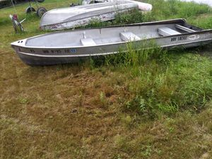 Crestliner 16 foot aluminum fishing boat and 6 horse Johnson for Sale in Pequot Lakes, MN