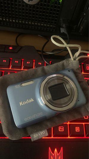 Kodak EasyShare M583 Blue Digital Camera w/ Original Box Plus Case Logic Case for Sale in Las Vegas, NV