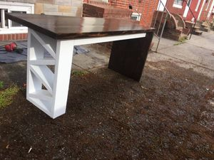Computer desk for Sale in Baltimore, MD