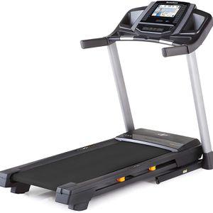 Nordictrack Elite 900 Treadmill BRAND NEW for Sale in Los Angeles, CA