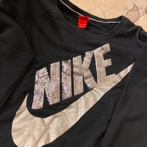 NIKE hoodie (With Sparkles) for Sale in Burke, VA