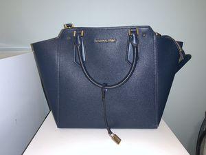 Michael Kors Crossbody Mercer/messenger bag for Sale in Boston, MA
