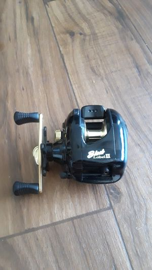 Fishing Reel for Sale in Mesa, AZ