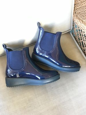 Women's rain boots - size 10 for Sale in Stratford, CT