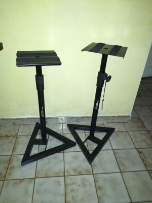 Accurecy pro audio profesional stands selling both for $40 for Sale in Miami, FL