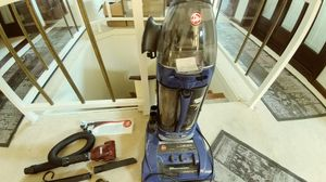 Hoover windtunnel bagless vacuum for Sale in Pittsburgh, PA
