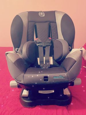 Car Seat With Recliner Evenflo up to 65lbs for Sale in Dallas, TX