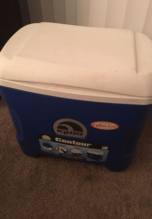 Igloo cooler contour 30 qt for Sale in Henrico, VA