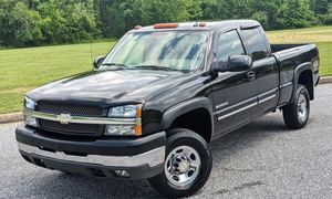 Urgent for sale Chevy Silverado 04 fully clean truck!! for Sale in Phenix City, AL