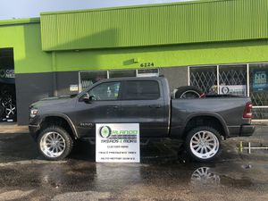 Lift & Leveling kits off road clearance, truck, Jeep and suv! Rough country, ready lift, Pro comp & More! for Sale in Orlando, FL