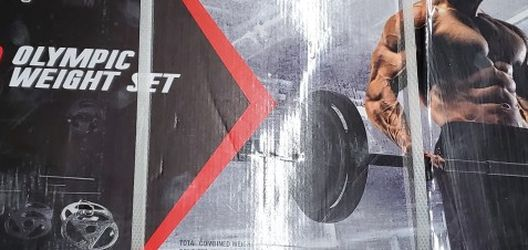 110 Olympic Barbell Set for Sale in Hesperia,  CA