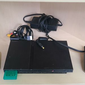 PS2 Console & 2 Controllera for Sale in Hollywood, FL