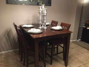Cafe style dining table with built-in leaf - Seats 8 for Sale in Murrieta, CA