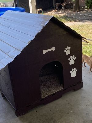 Dog house♥️♥️♥️ for Sale in Stockton, CA