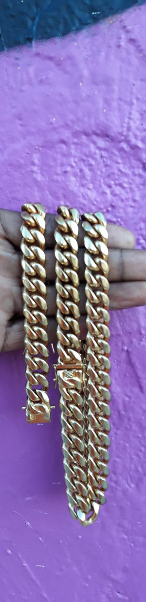 """$140....14mm 22""""24""""26""""28"""" stock....🏌️🤳🏆🤩14k gold-plated cuban link chain and bracelet.... will not fade or tarnish.... I deliver 🚗💭💭 for Sale in Fort Lauderdale, FL"""