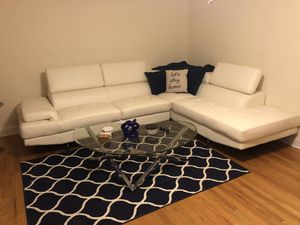 White leather couch for Sale in Schaumburg, IL